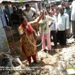 People in Autonagar verified that GHMC is using ropes to catch dogs in the locality